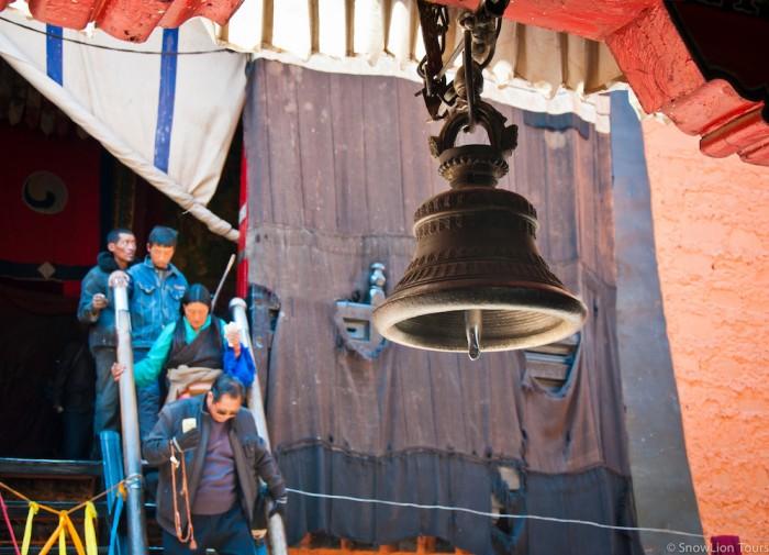 Dharma bell in Tashilhunpo monastery in Shigatse