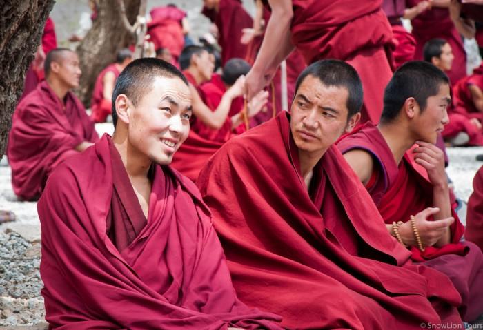 Sera monastery debating court