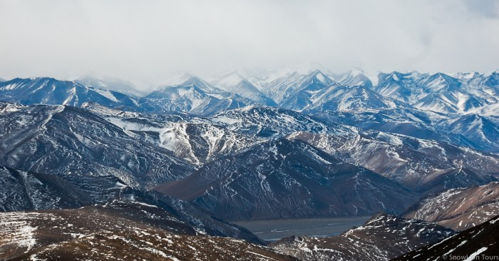 Snow peaks mountain from Gytso la pass on the Tibet friendship highway