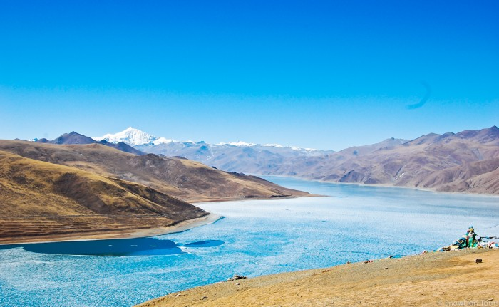 Yamdrok Lake in Gyantse, Tibet