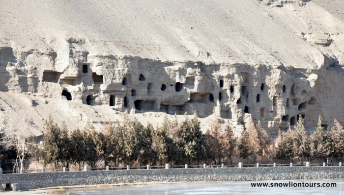 dunhuang buddhist caves 2