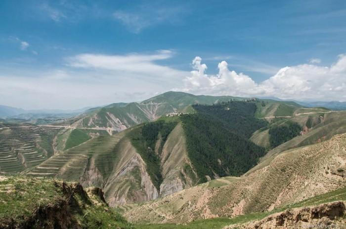 Rebkong Tashikyil Monastery in Qinghai Tongren