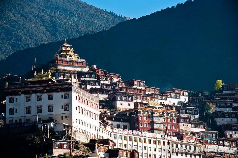 Palyul Monastery in Kham