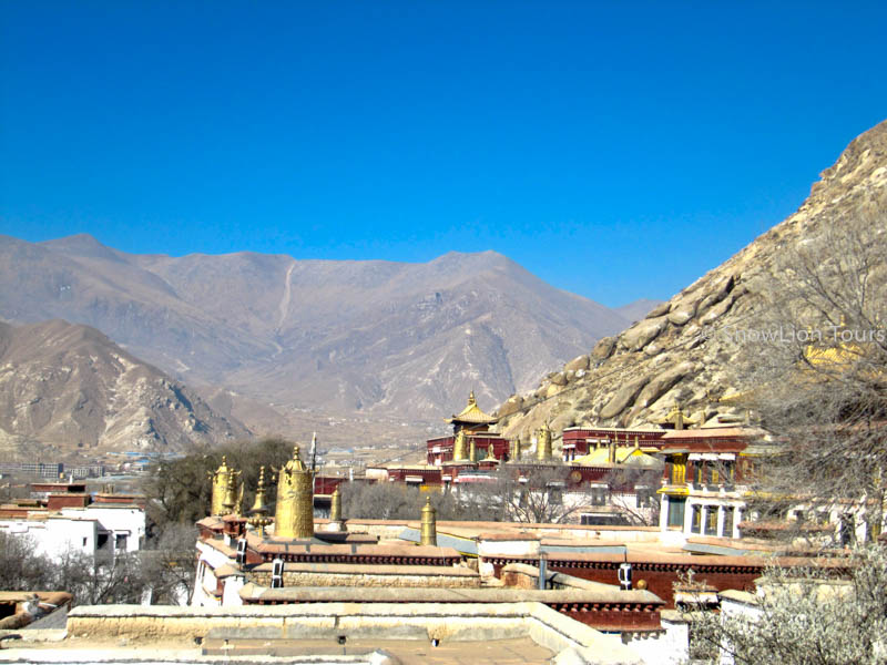 roof of Sera Monastery