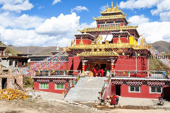 tibet monastery in Kham, Tibet travel