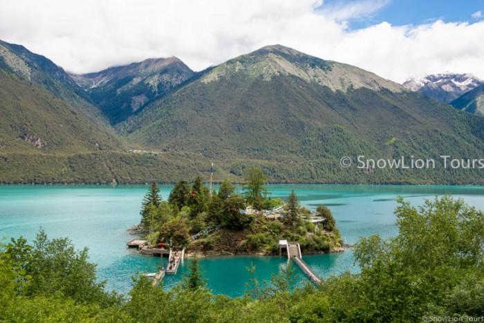 Draksum Tso Lake or Basumtso Lake