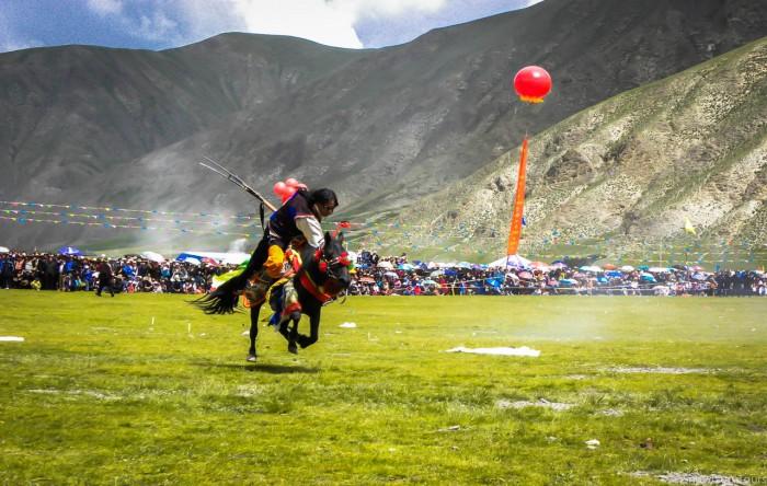 Yushu horse festival